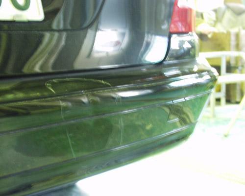 バンパーのスリキズ 修正・塗装前